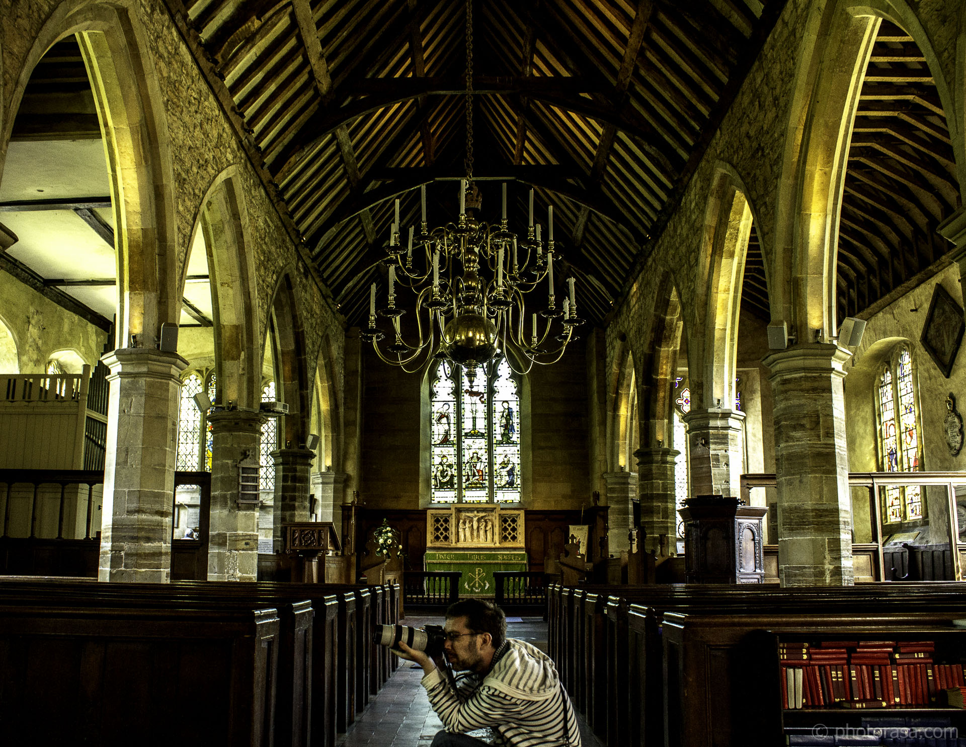 https://photorasa.com/st-marys-church-in-chiddingstone/church-wide-angle-view/
