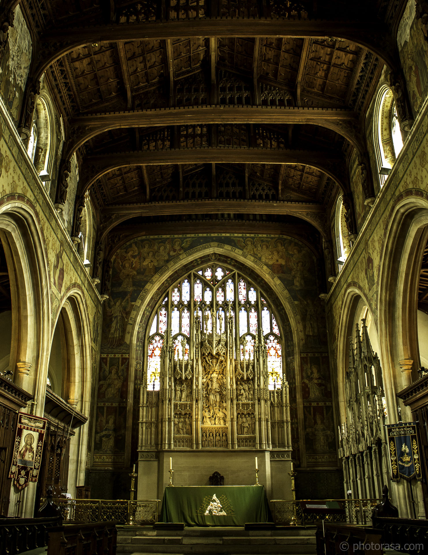http://photorasa.com/inside-all-saints-church-in-maidstone/all-saints-sanctuary/