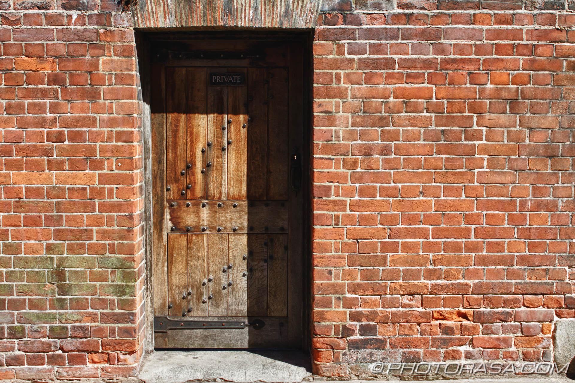http://photorasa.com/canterbury-trip/old-door-in-wall/