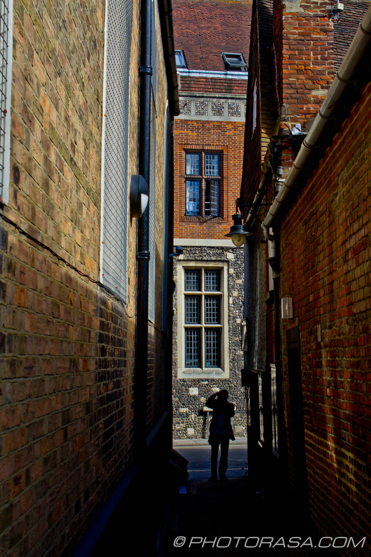 http://photorasa.com/canterbury-trip/photographer-in-the-alley/
