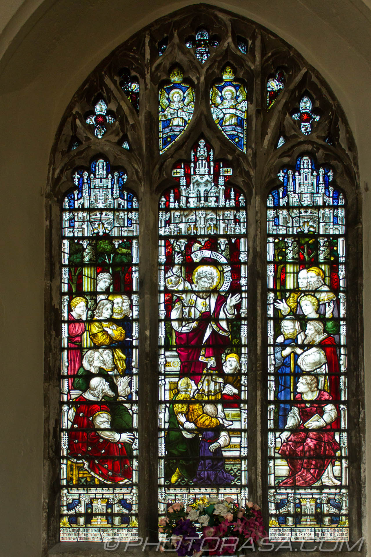 http://photorasa.com/parish-church-st-peter-st-paul-headcorn/first-north-side-stained-glass-window/