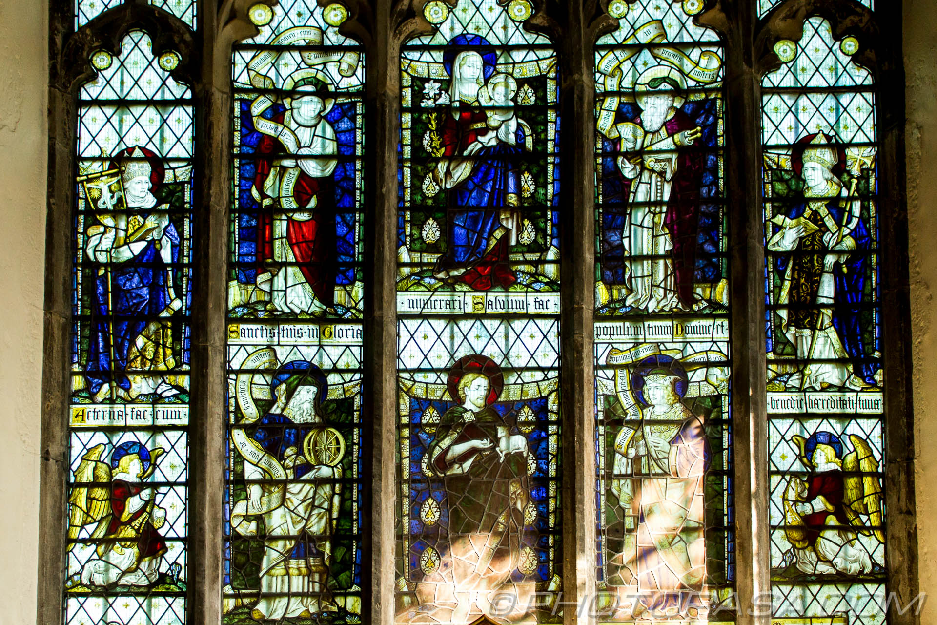 http://photorasa.com/parish-church-st-peter-st-paul-headcorn/lady-chapel-stained-glass-window-showing-mary-and-baby-jesus-and/