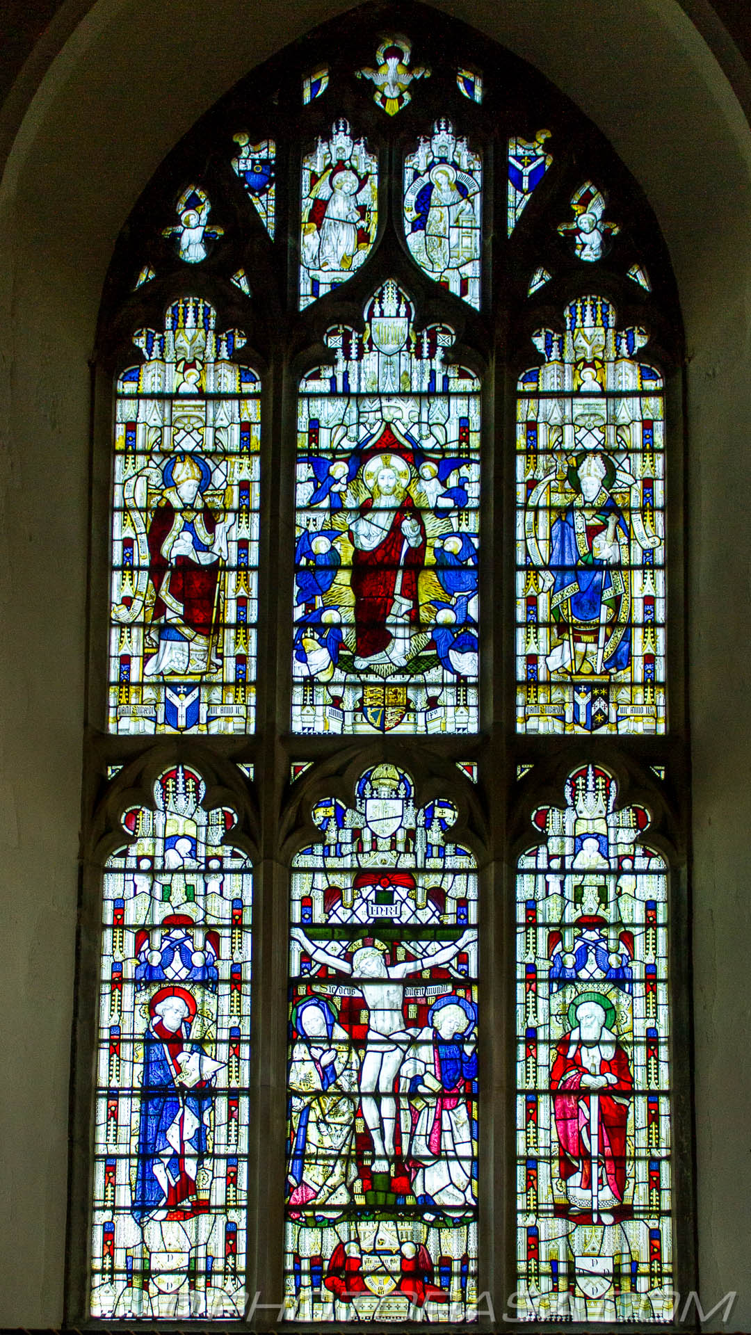 http://photorasa.com/parish-church-st-peter-st-paul-headcorn/large-chancel-stained-glass-window-showing-jesus-on-the-cross-an/