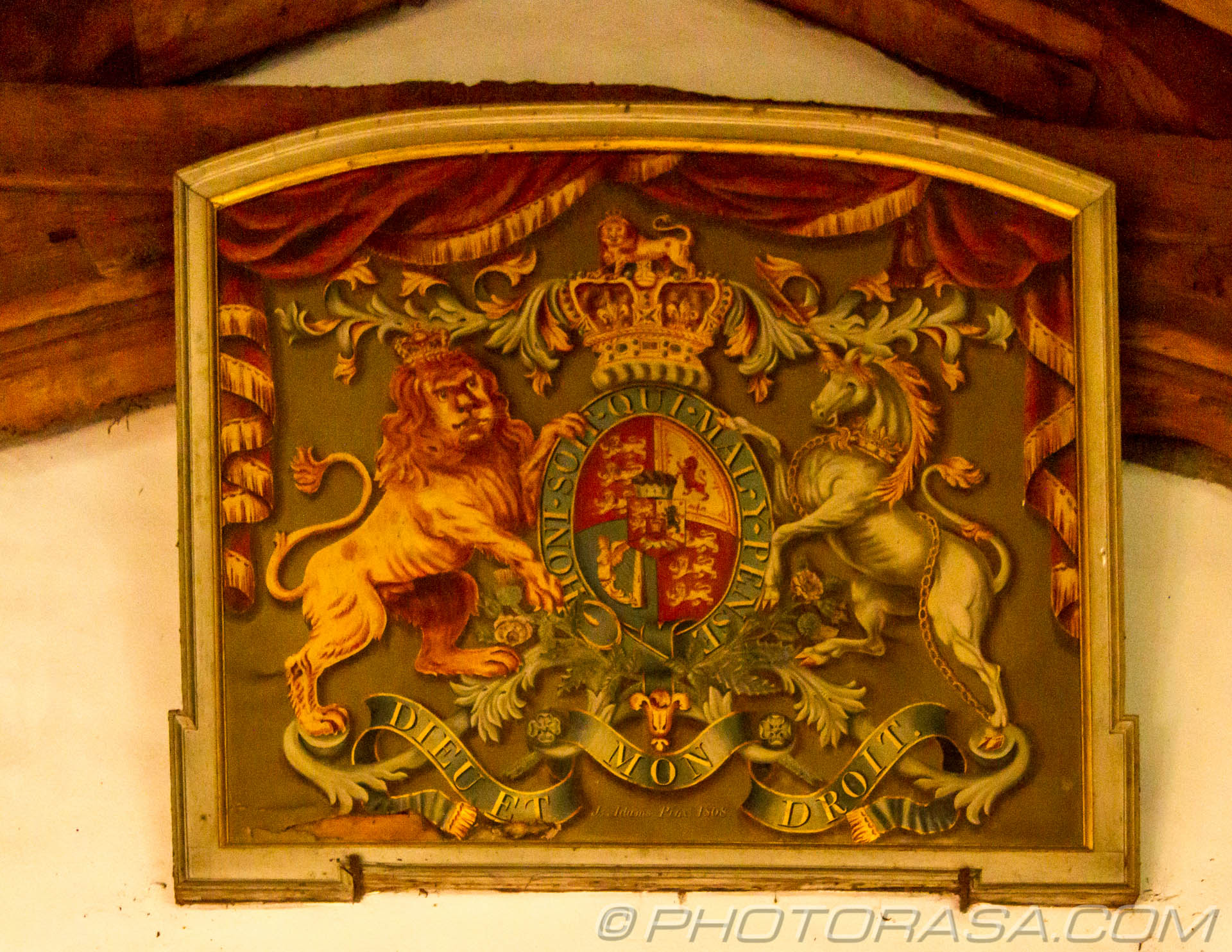 http://photorasa.com/parish-church-st-peter-st-paul-headcorn/royal-coat-of-arms-of-king-george-the-third/