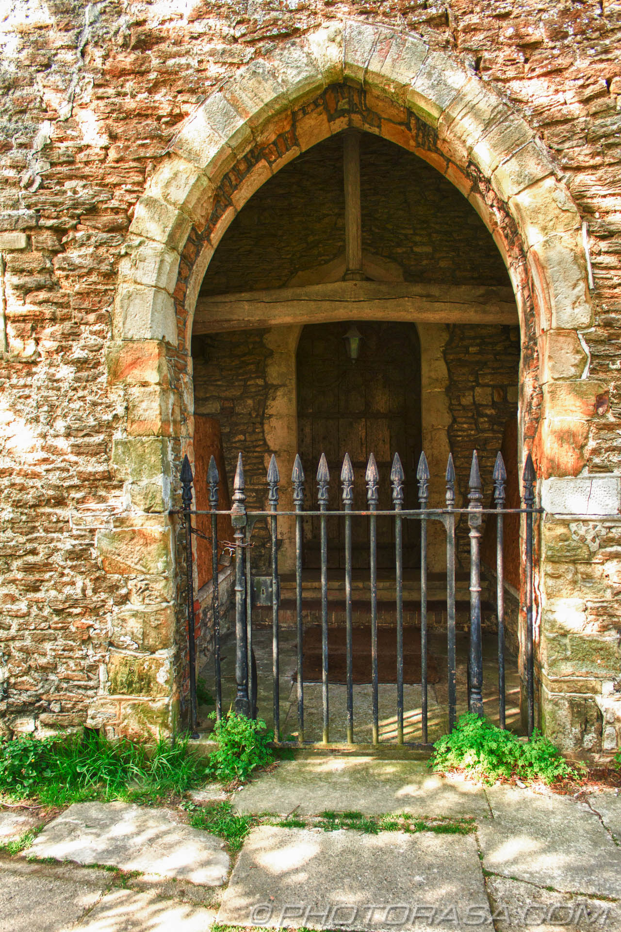 http://photorasa.com/saints-church-staplehurst-kent/blocked-norman-arch/