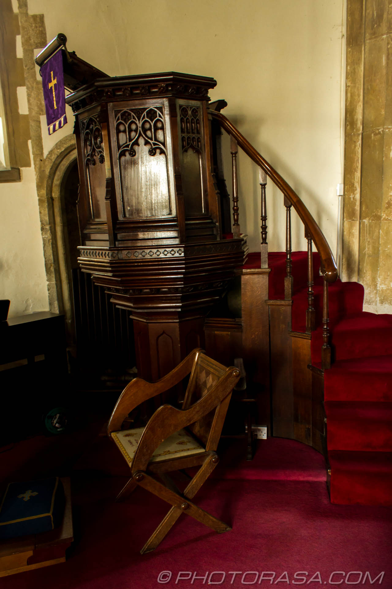 http://photorasa.com/saints-church-staplehurst-kent/chair-and-pulpit/