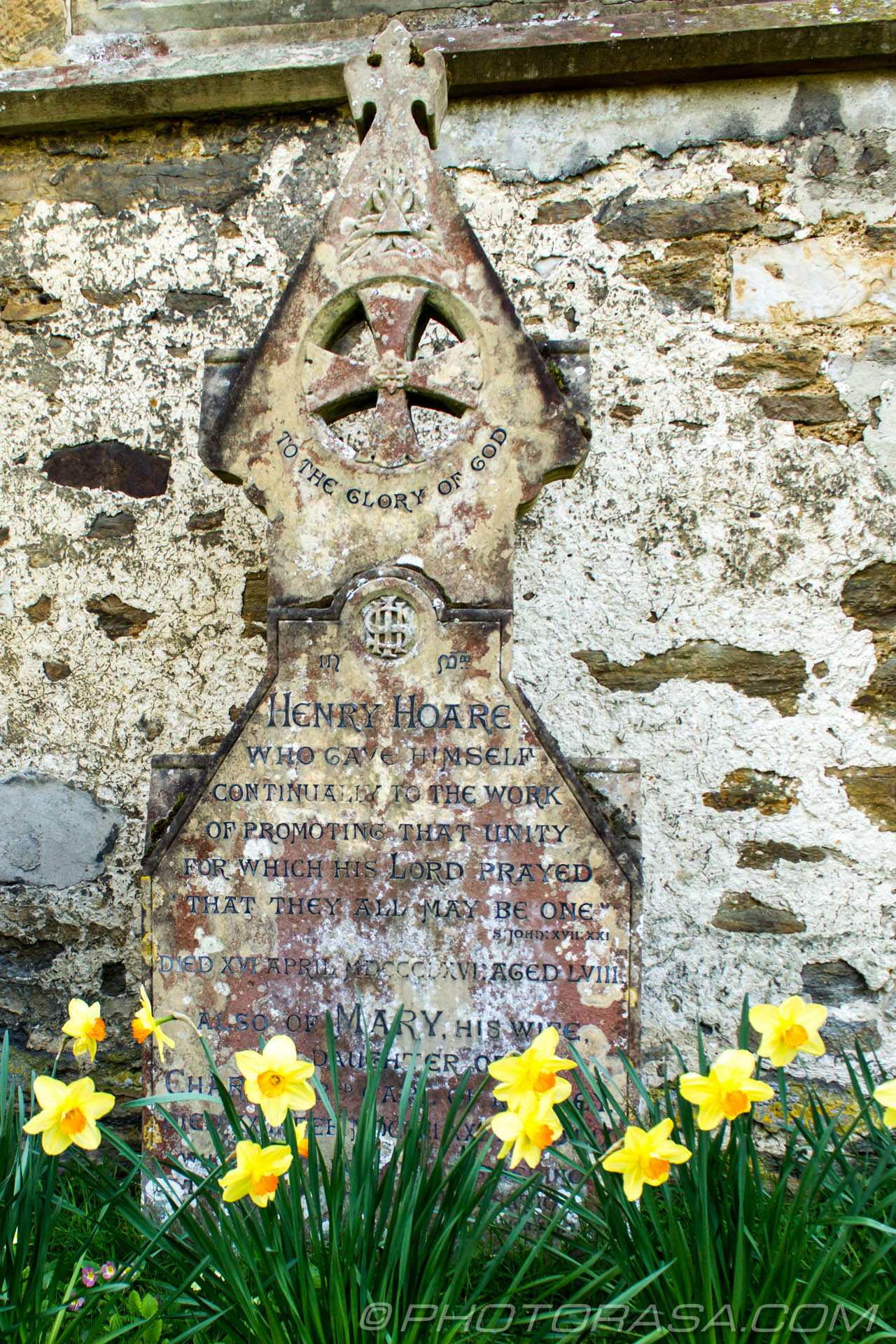 http://photorasa.com/saints-church-staplehurst-kent/decorative-marble-gravestone-2/