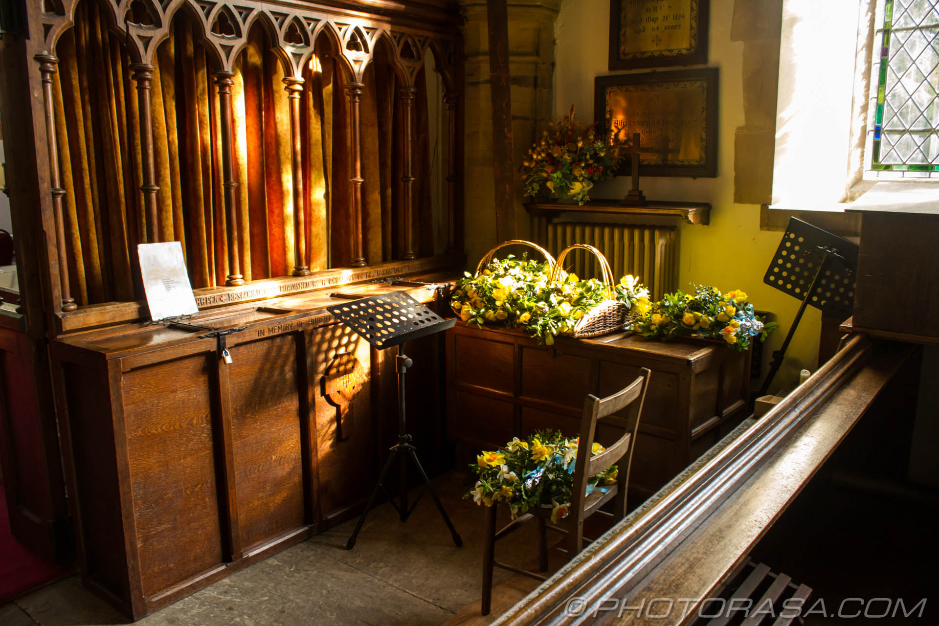 http://photorasa.com/saints-church-staplehurst-kent/flowers/