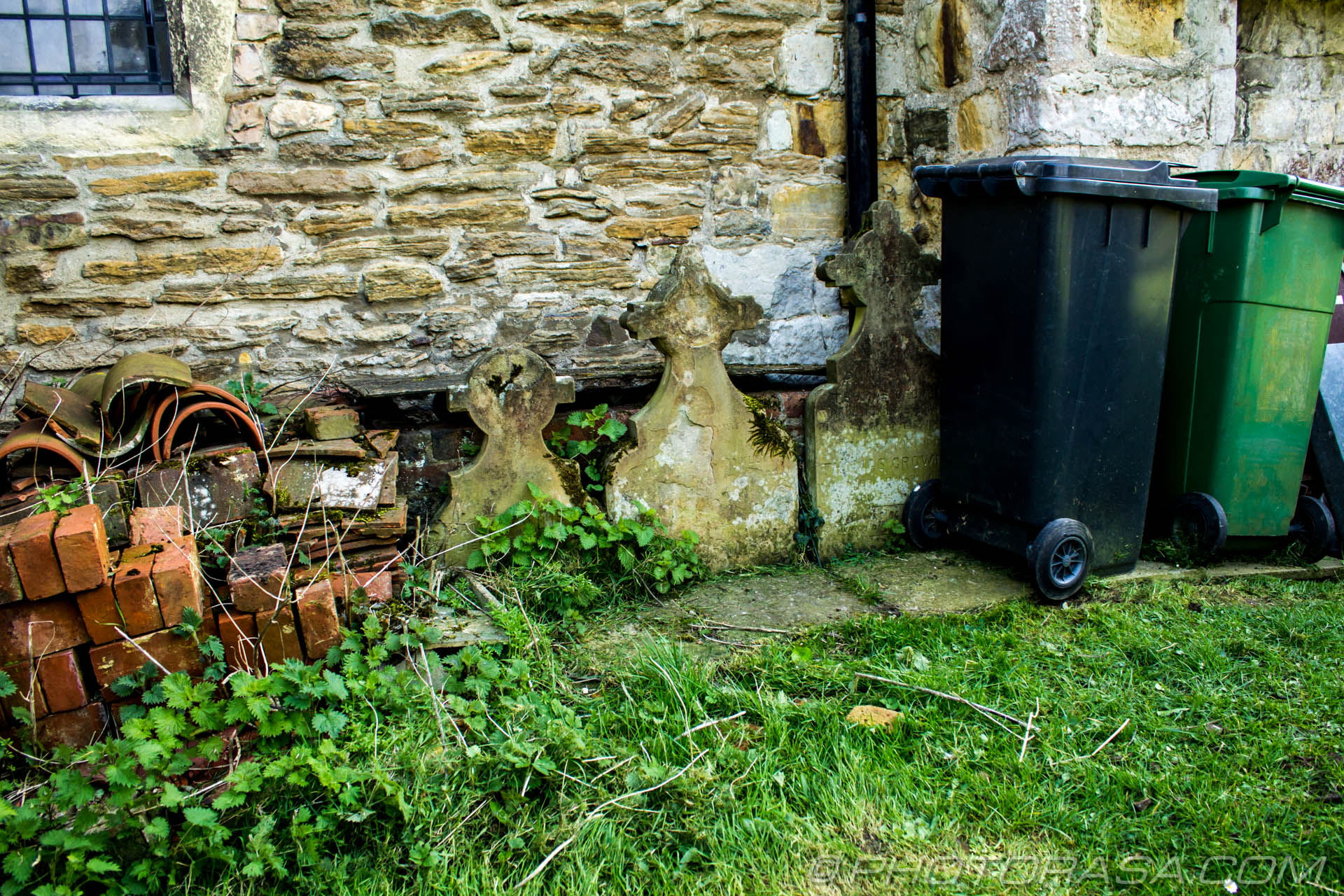 http://photorasa.com/saints-church-staplehurst-kent/graves-and-rubbish-bins/