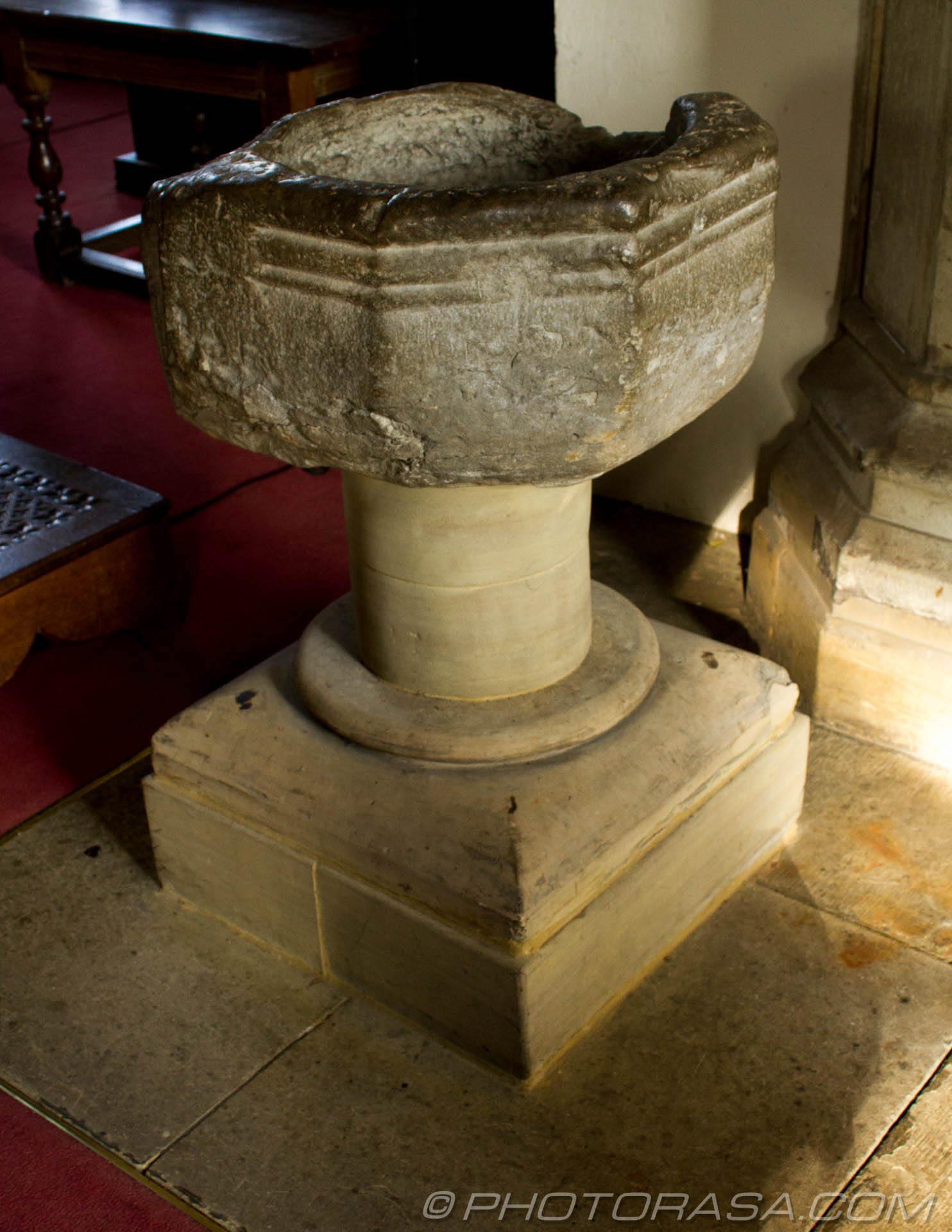 http://photorasa.com/saints-church-staplehurst-kent/medieval-font/