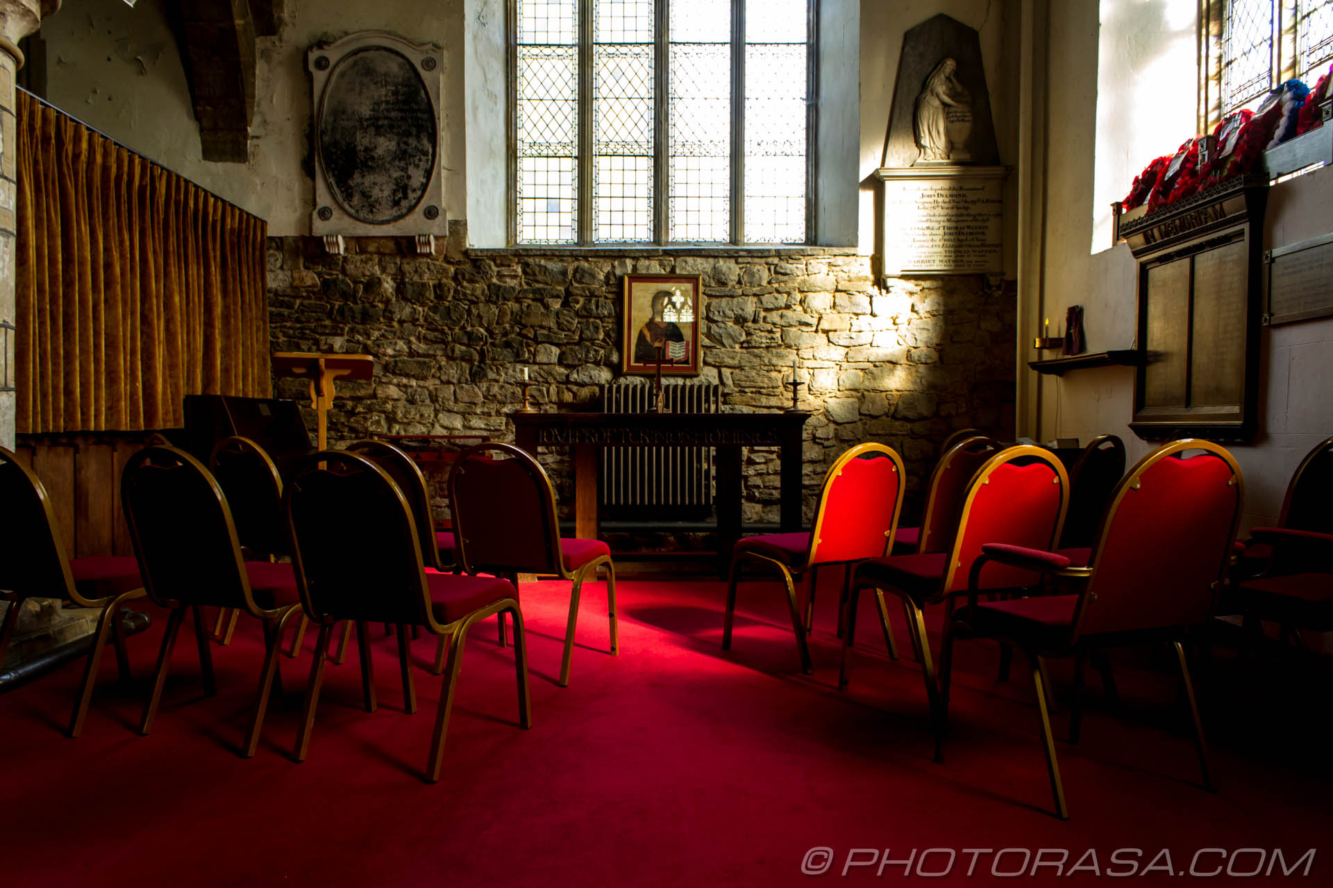 http://photorasa.com/saints-church-staplehurst-kent/meeting-area-for-group-prayer/