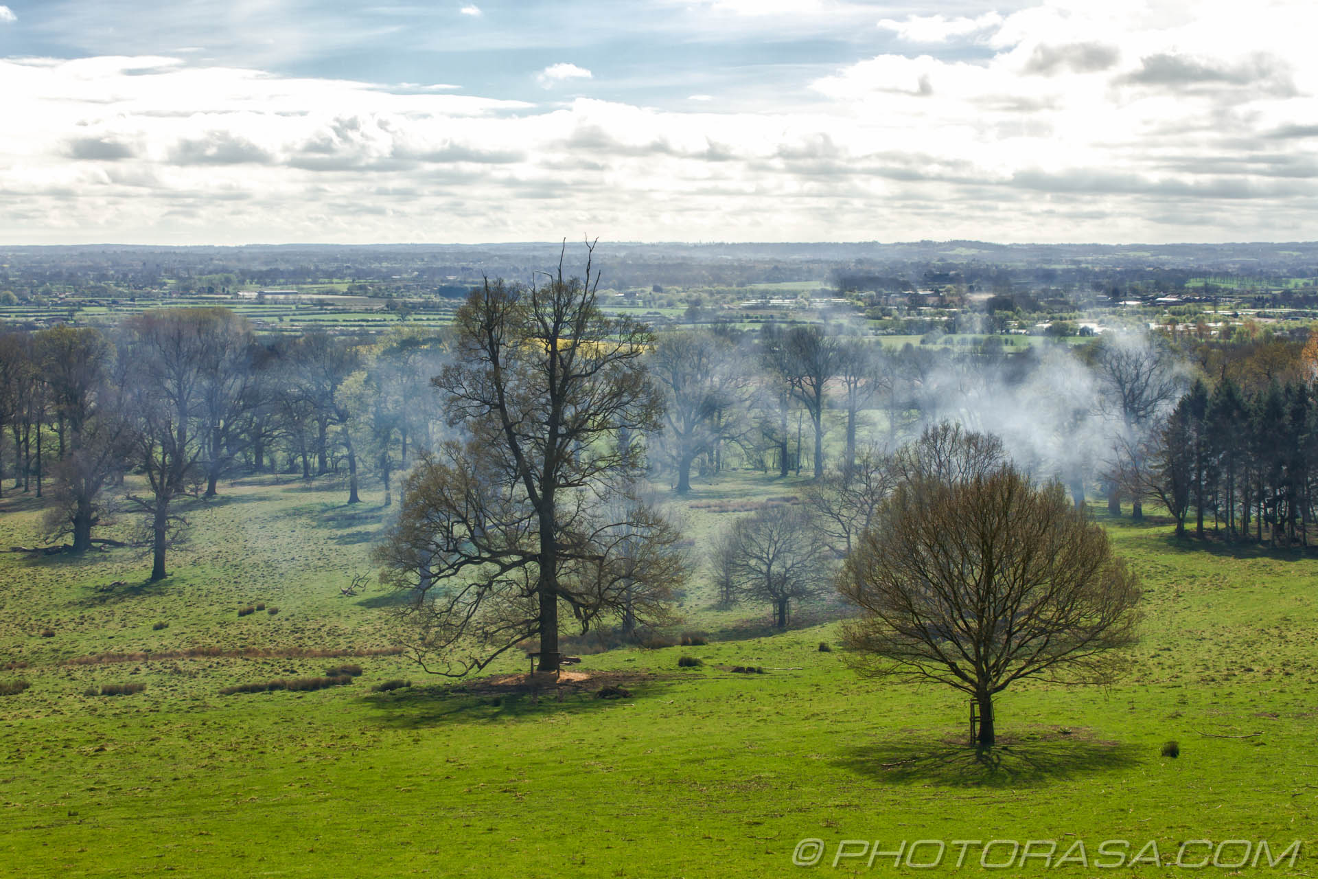 https://photorasa.com/view-boughton-monchelsea-churchyard/smoke-across-the-deer-park/
