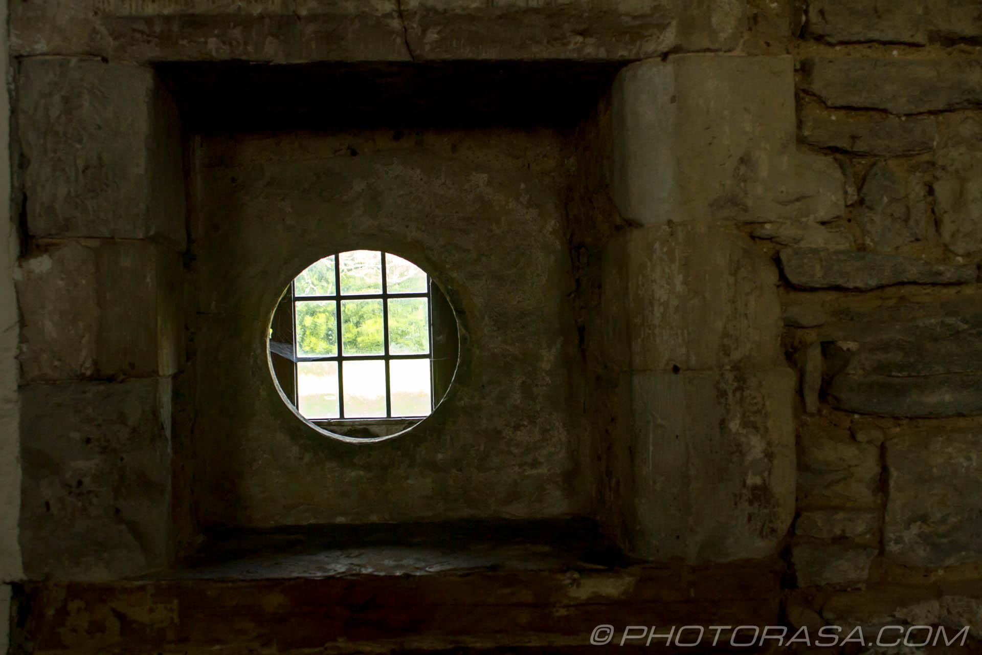 https://photorasa.com/saints-church-staplehurst-kent/the-anchorites-communication-hole/