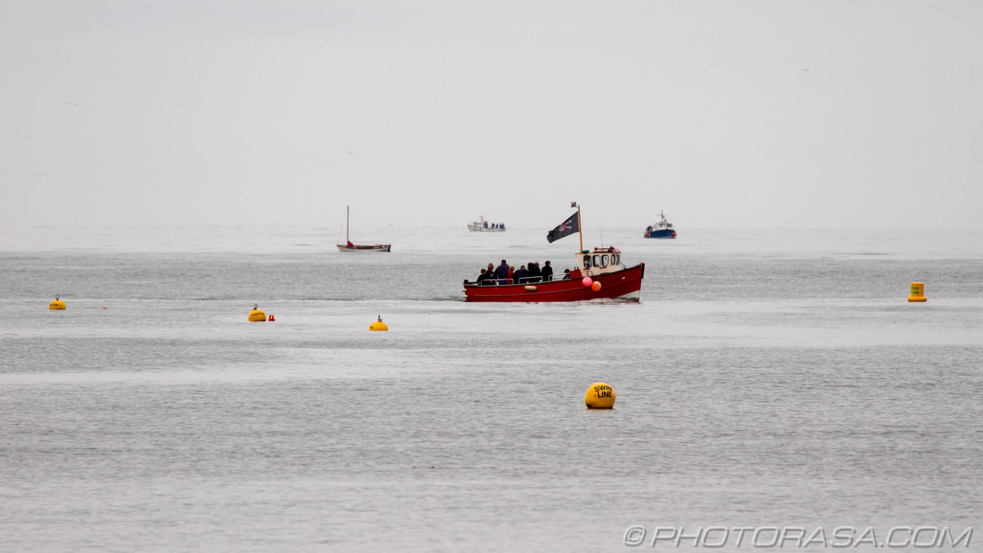 http://photorasa.com/sea-lyme-regis/boat-trips-and-bouys/