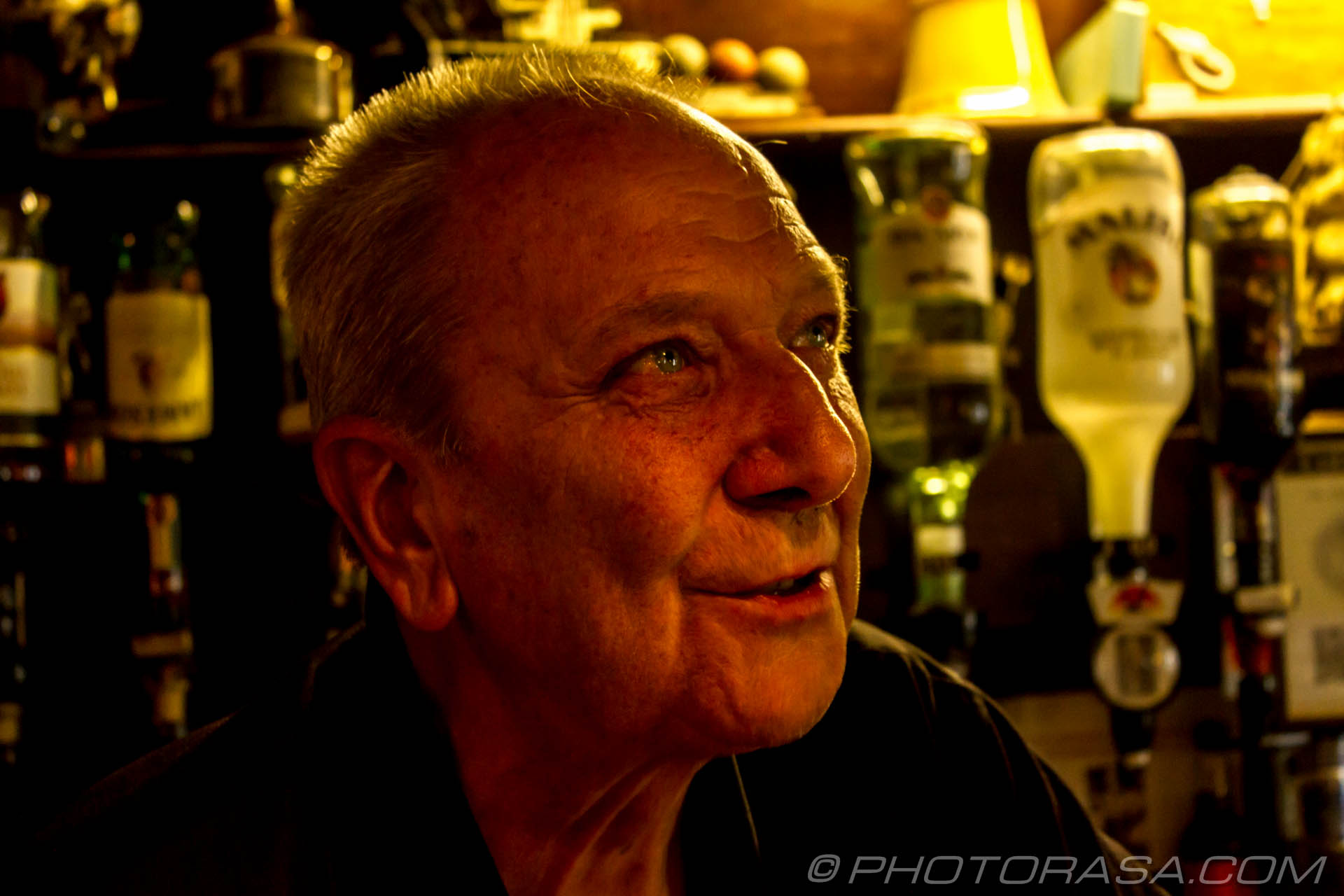 http://photorasa.com/lyme-regis/pete-the-pub-landlord/