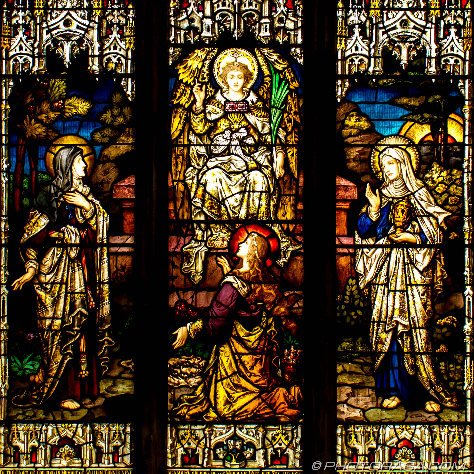 http://photorasa.com/st-dunstans-church-cranbrook/stained-glass-depicting-the-resurrection-of-christ/