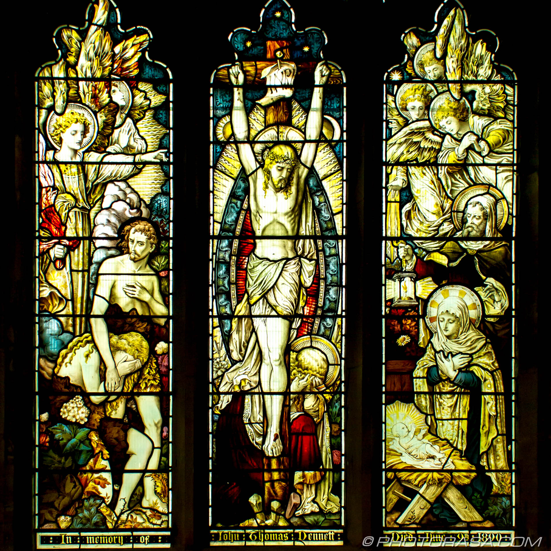 http://photorasa.com/st-dunstans-church-cranbrook/stained-glass-of-jesus-on-the-cross/