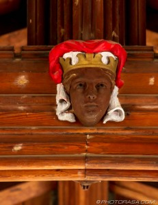 victorian roof carving of queen victorias head