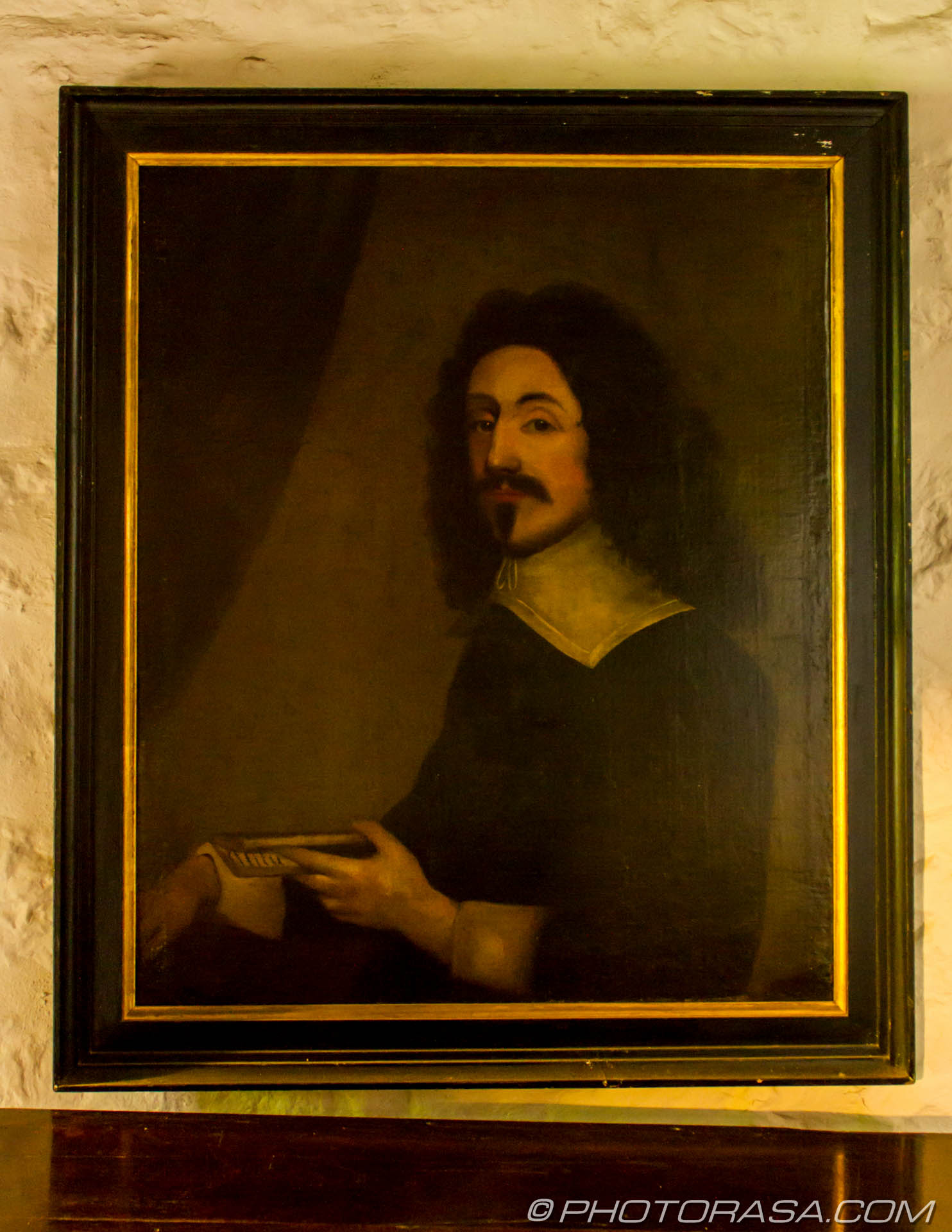 http://photorasa.com/stoneacre-house-paintings/17th-century-painting-of-protestant-priest-holding-a-book/