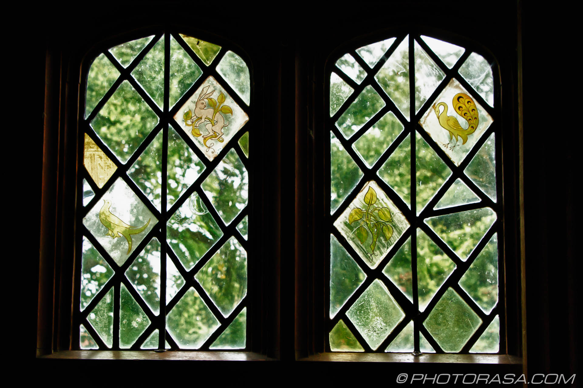 Arts and crafts decorated stained windows photorasa free for Arts and crafts glass