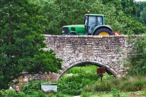 tractor going over teston bridge
