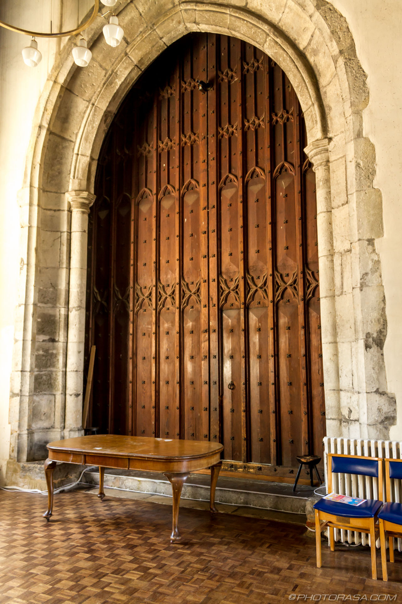http://photorasa.com/st-marys-church-in-lenham/massive-wooden-church-double-doors/