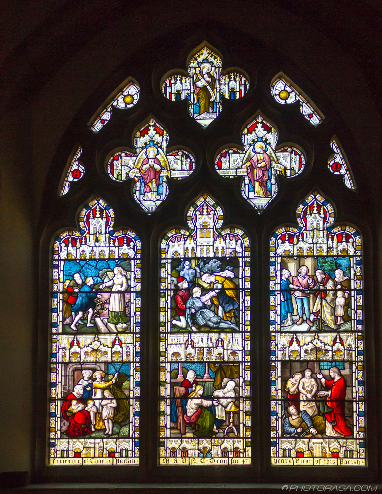 http://photorasa.com/st-marys-church-in-lenham/memorial-stained-glass-window/