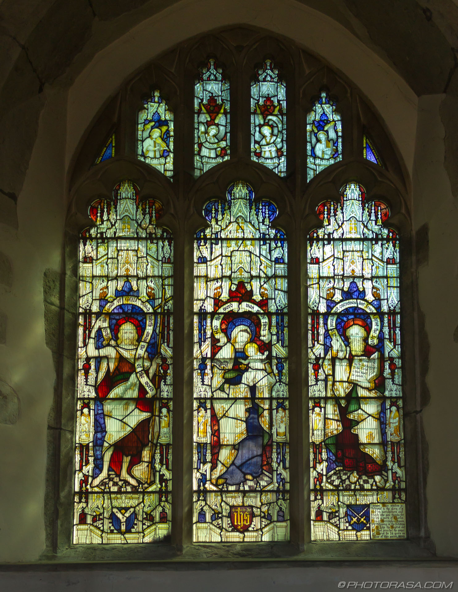 http://photorasa.com/st-marys-church-in-lenham/victorian-stained-glass-window/