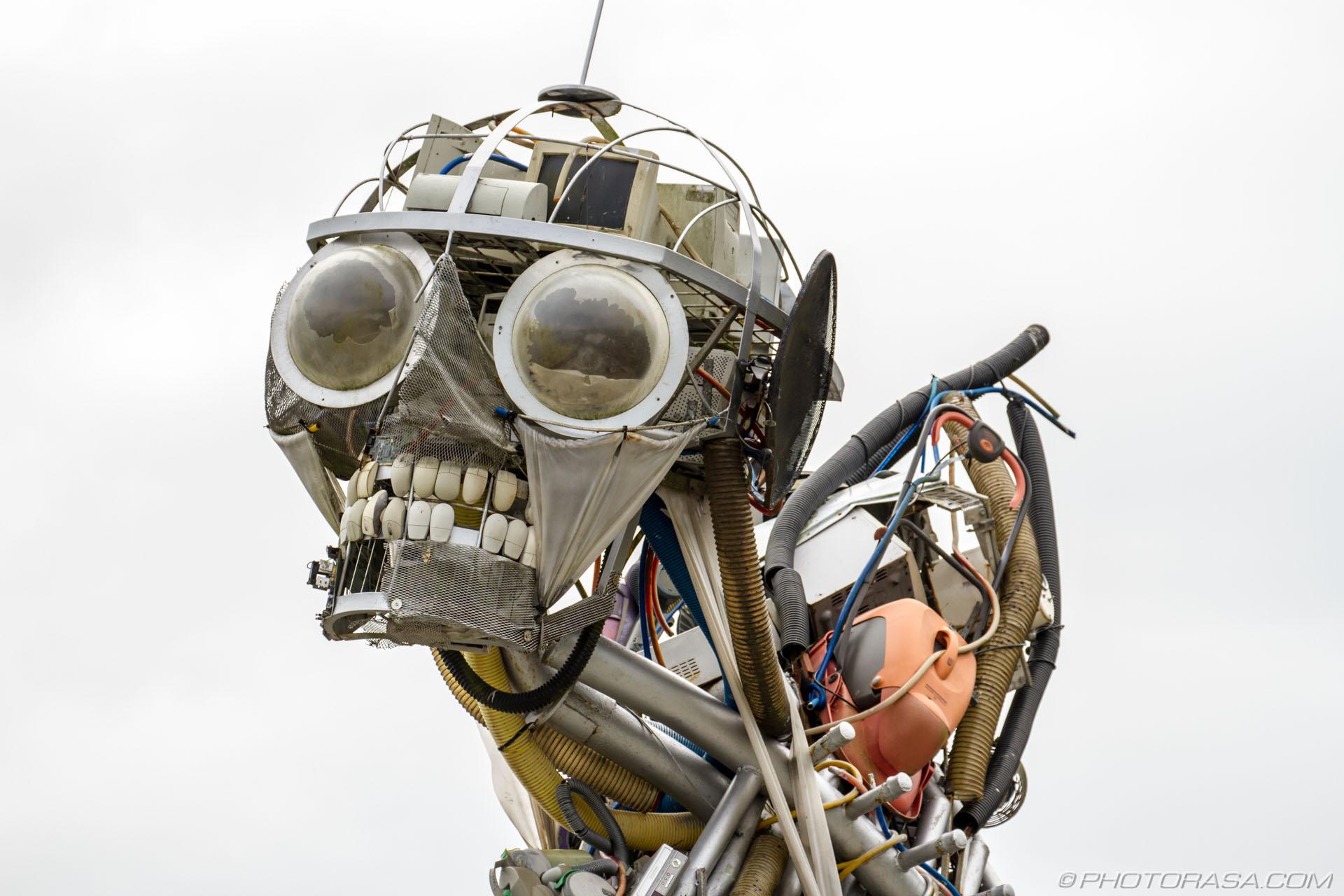 http://photorasa.com/garden-sculptures/head-of-waste-technology-sculpture-at-eden-project/