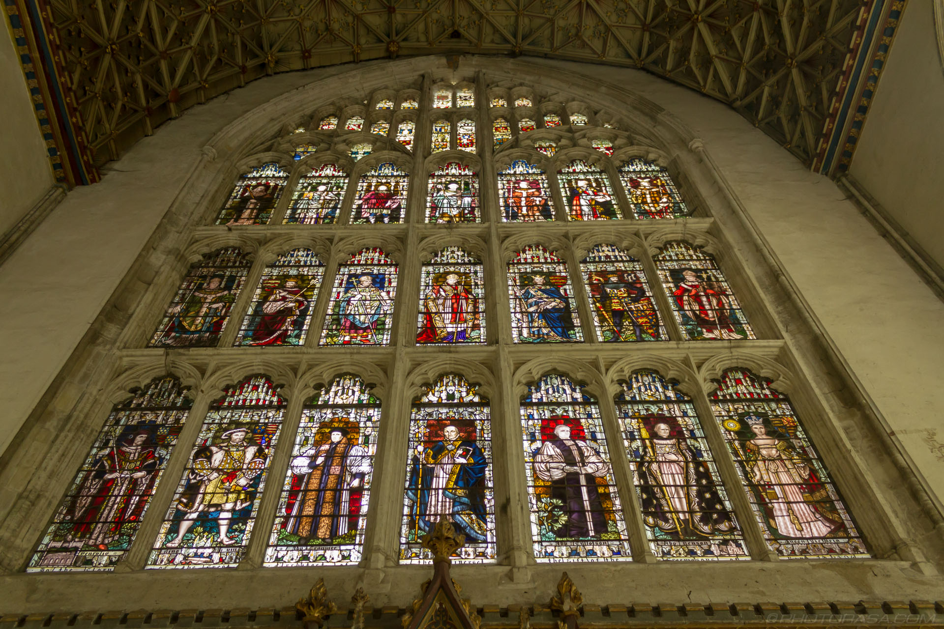 http://photorasa.com/canterbury-cathedral/large-stained-glass-on-east-wall-of-chapter-house/