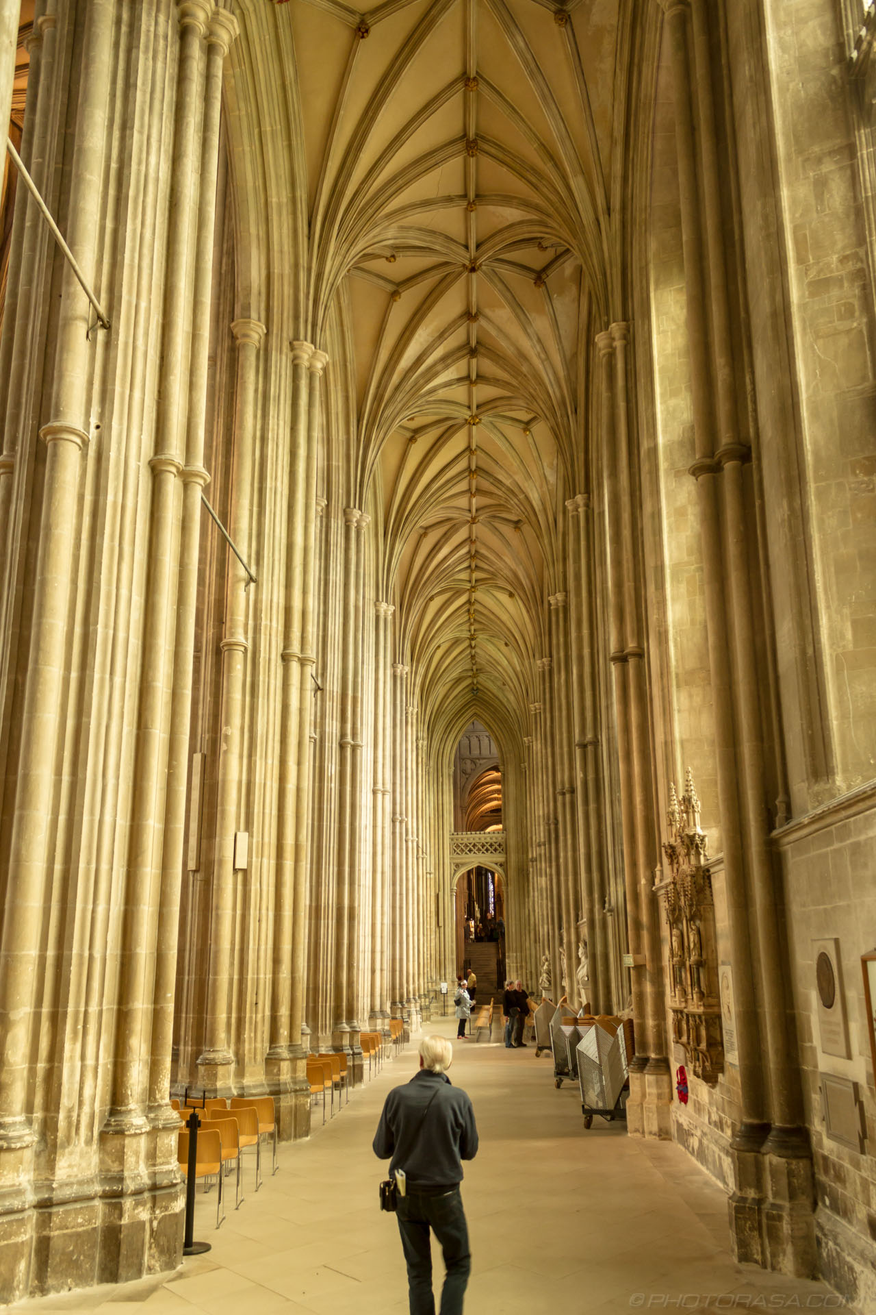 http://photorasa.com/canterbury-cathedral/south-aisle-of-nave/