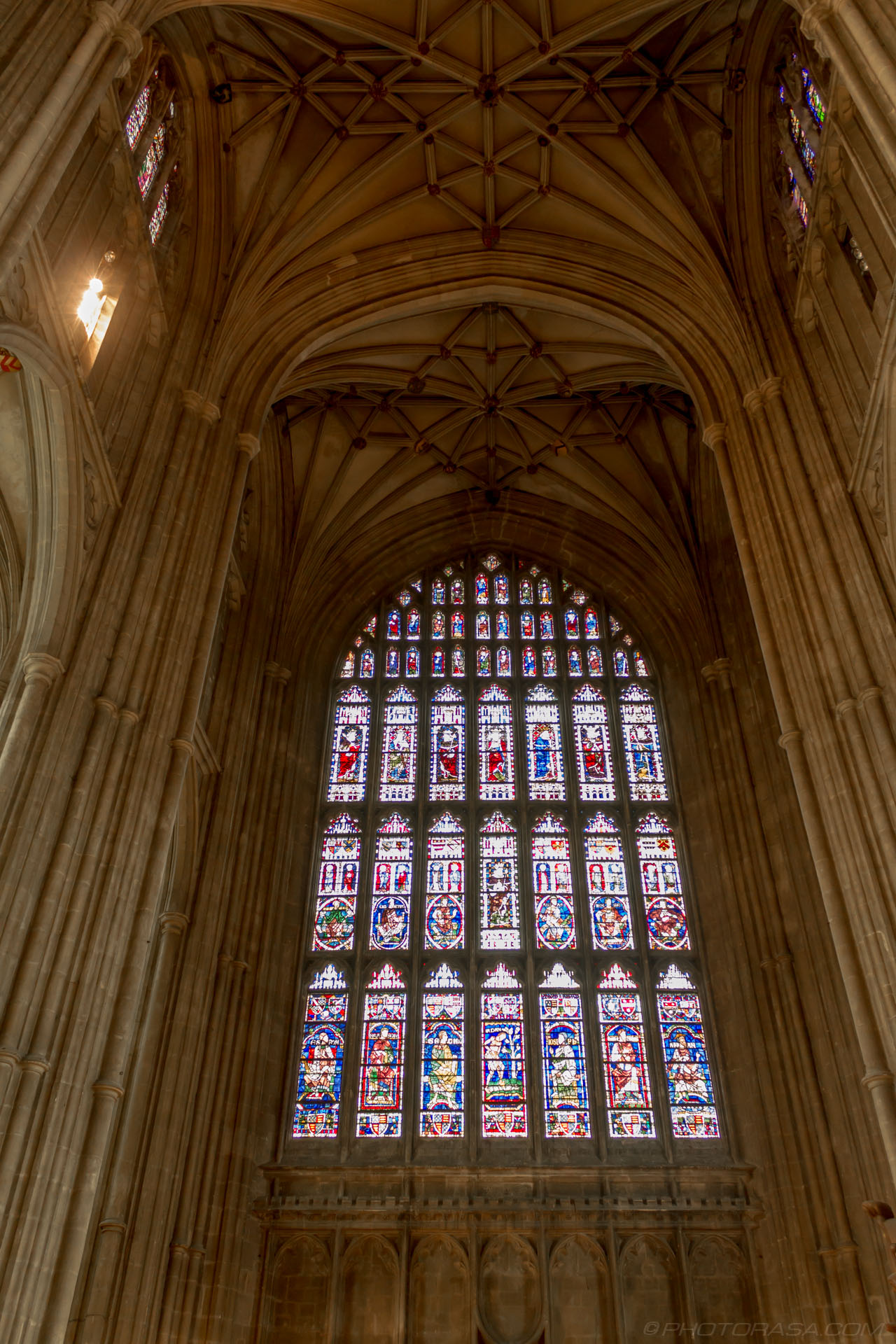 http://photorasa.com/canterbury-cathedral/stained-glass-above-western-entrance/