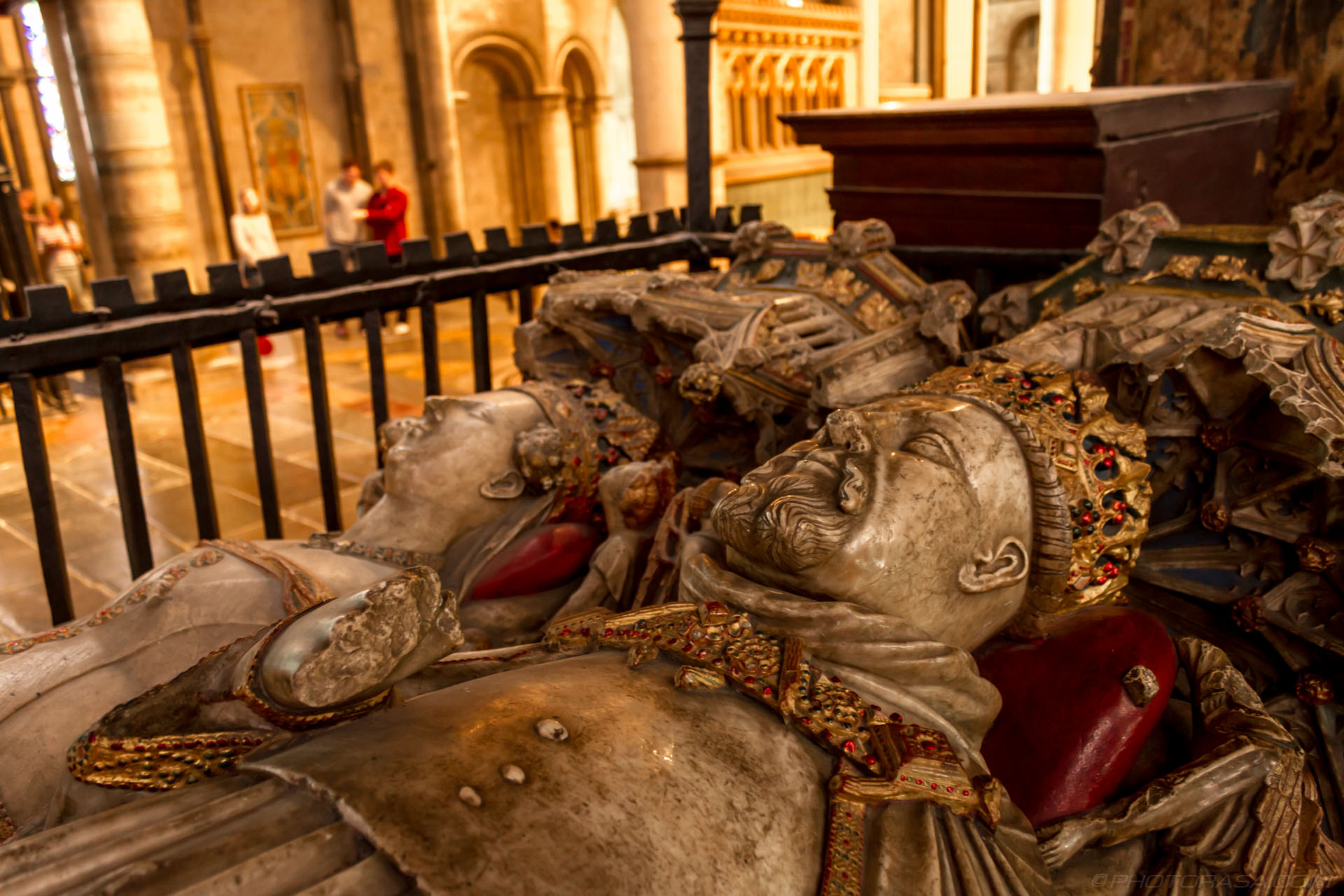 http://photorasa.com/canterbury-cathedral/tomb-of-king-henry-iv-and-joan-of-navarre/