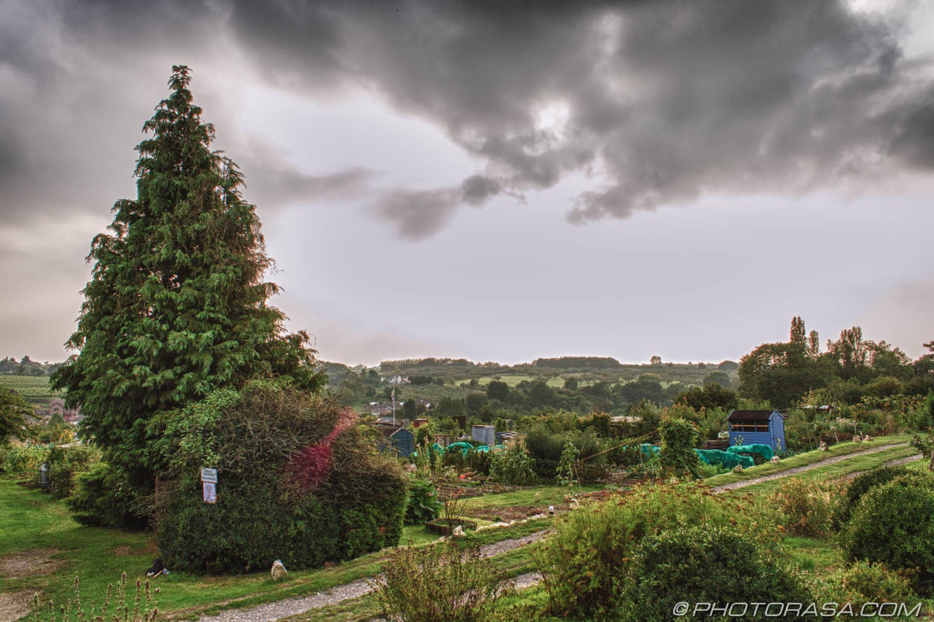 https://photorasa.com/loose-village/dark-clouds-over-the-allotment/