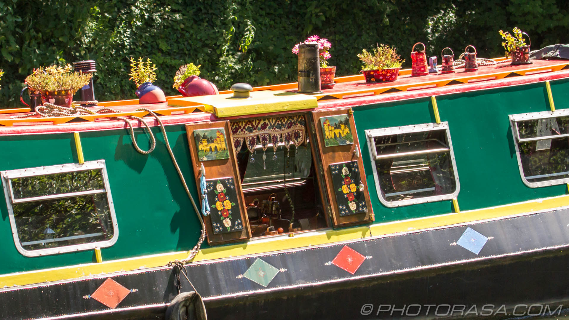 http://photorasa.com/maidstone/colourful-river-barge/