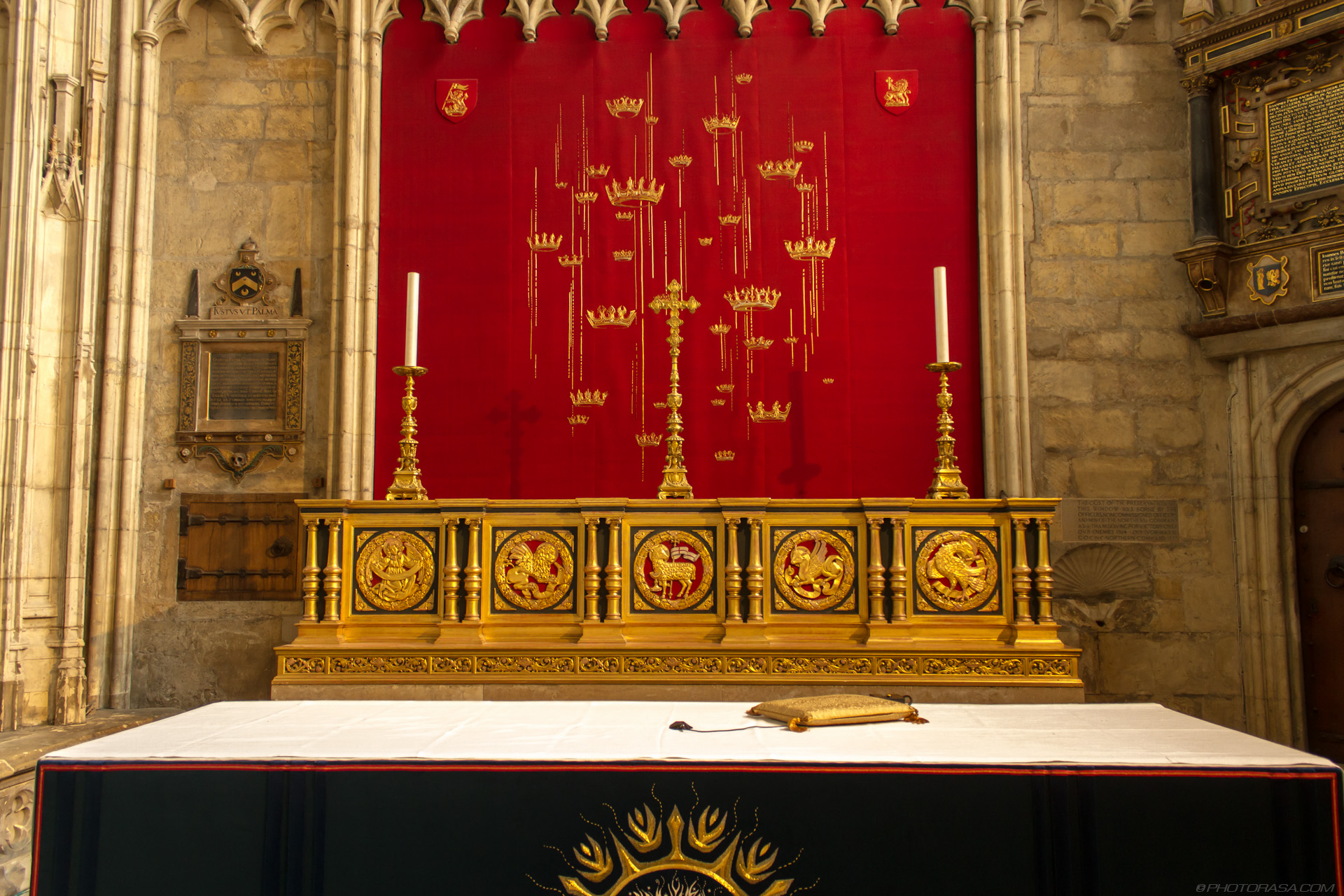 http://photorasa.com/yorkminster-cathedral/all-saints-chapel-altar/