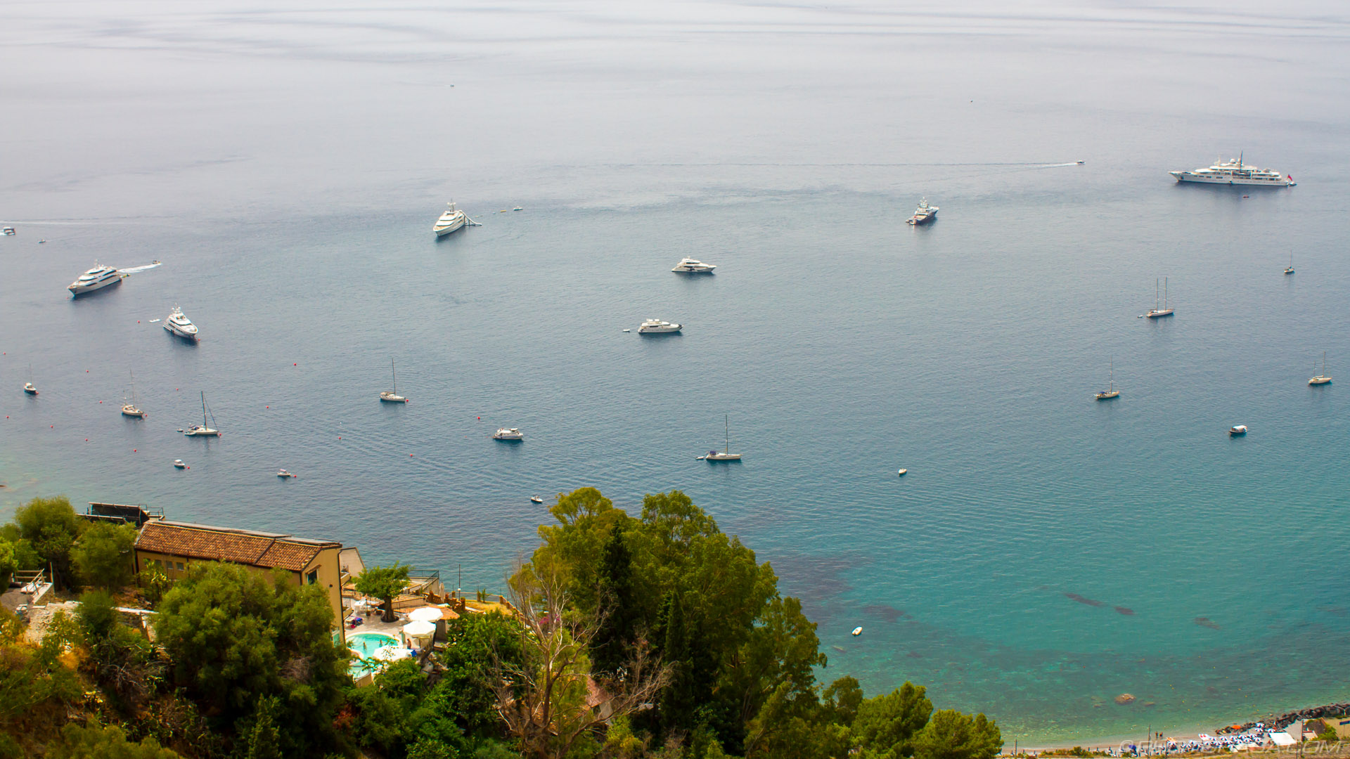 http://photorasa.com/taormina/boats-in-the-harbour/