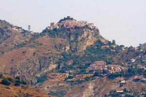 castiglione di sicilia on hill