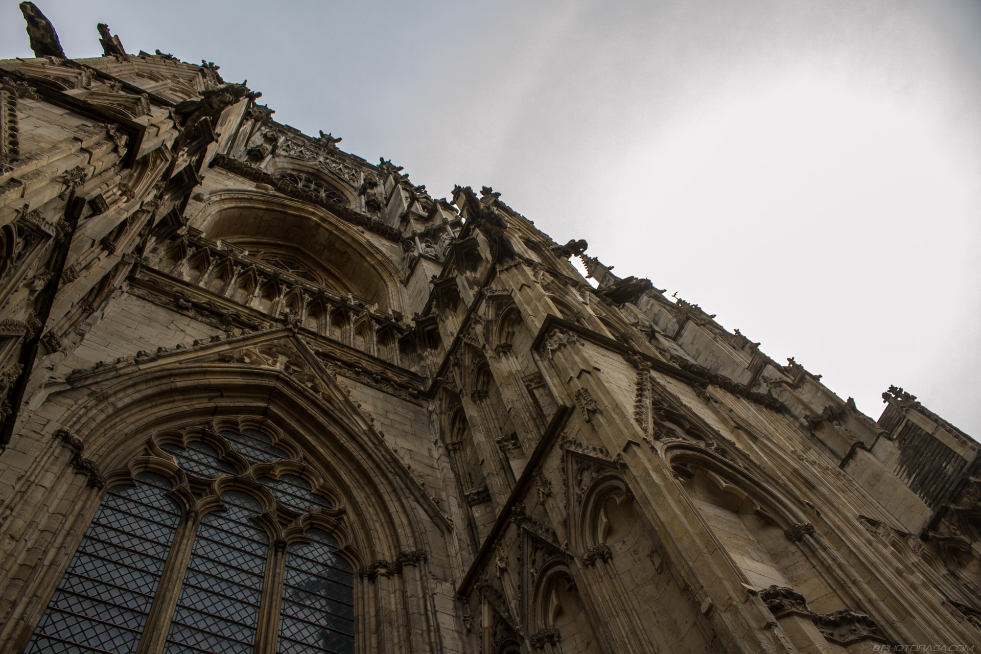 https://photorasa.com/yorkminster-cathedral/cathedral-detail-and-sky/