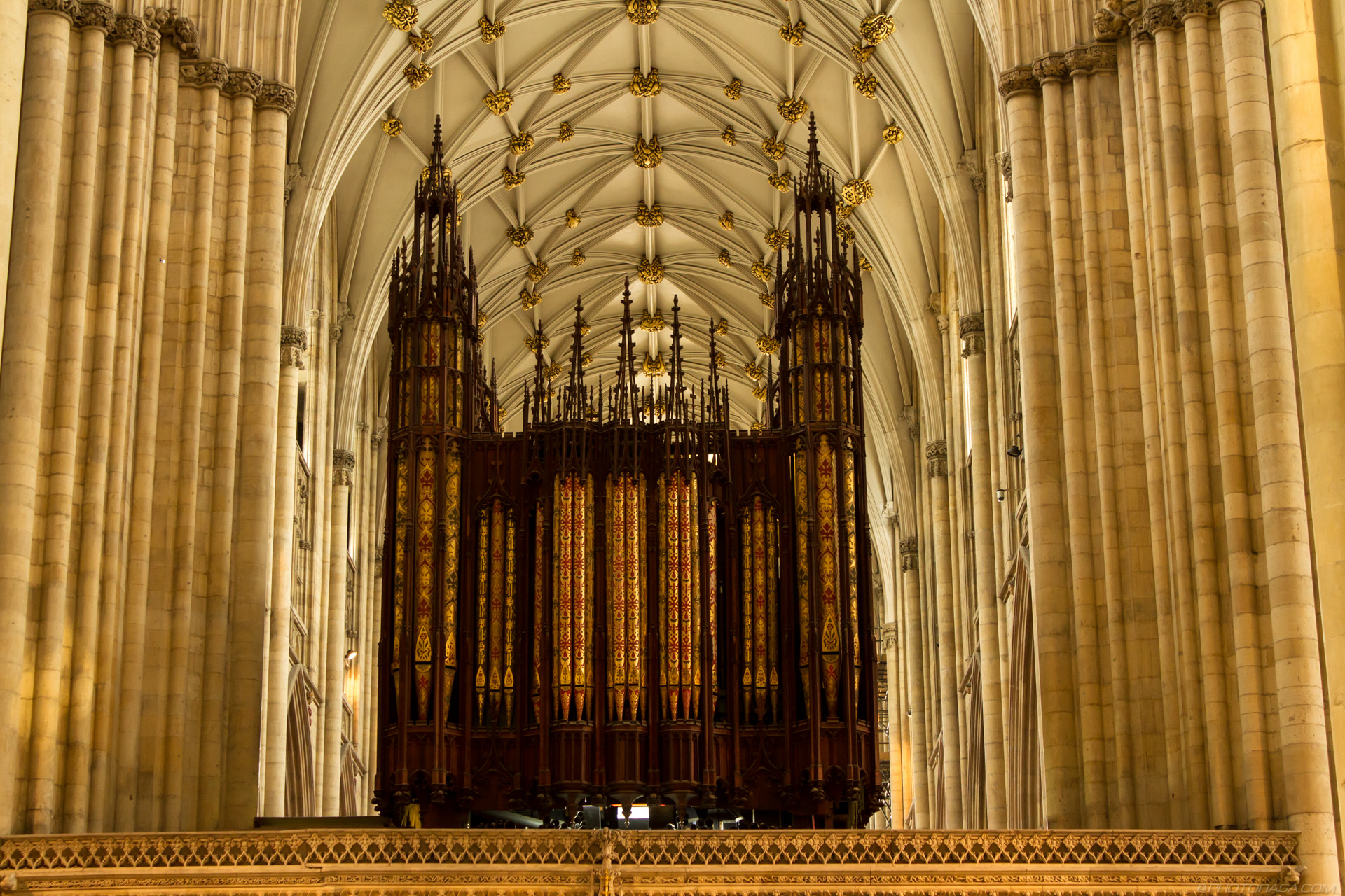http://photorasa.com/yorkminster-cathedral/decorative-organ/