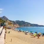 giardini naxos beach