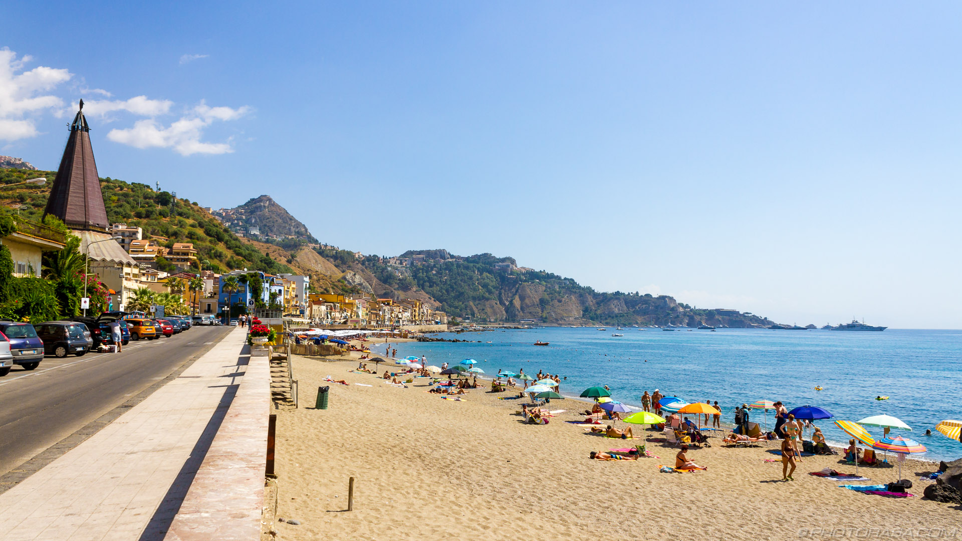http://photorasa.com/places/giardini-naxos/attachment/giardini-naxos-beach/