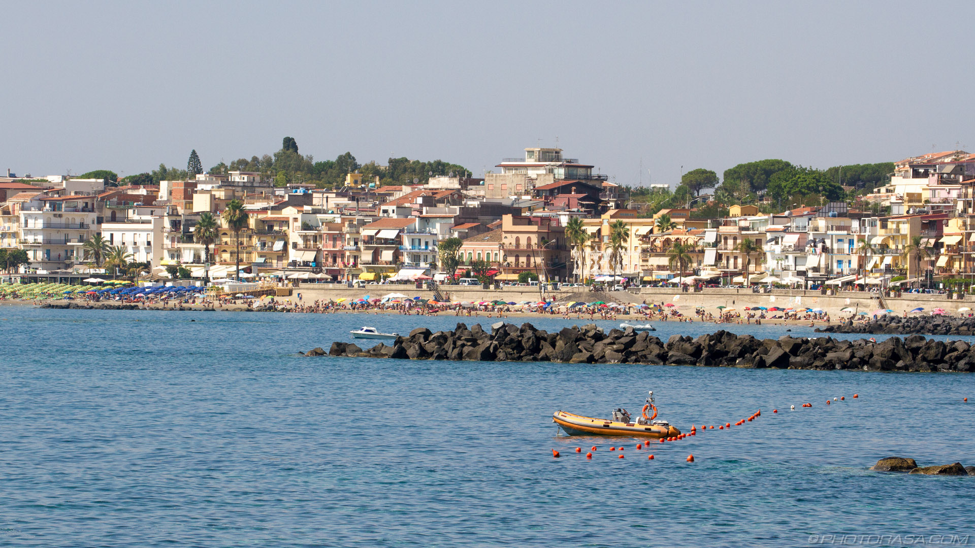 http://photorasa.com/places/giardini-naxos/attachment/giardini-naxos-2/