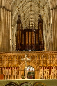 organ and cross at the quire
