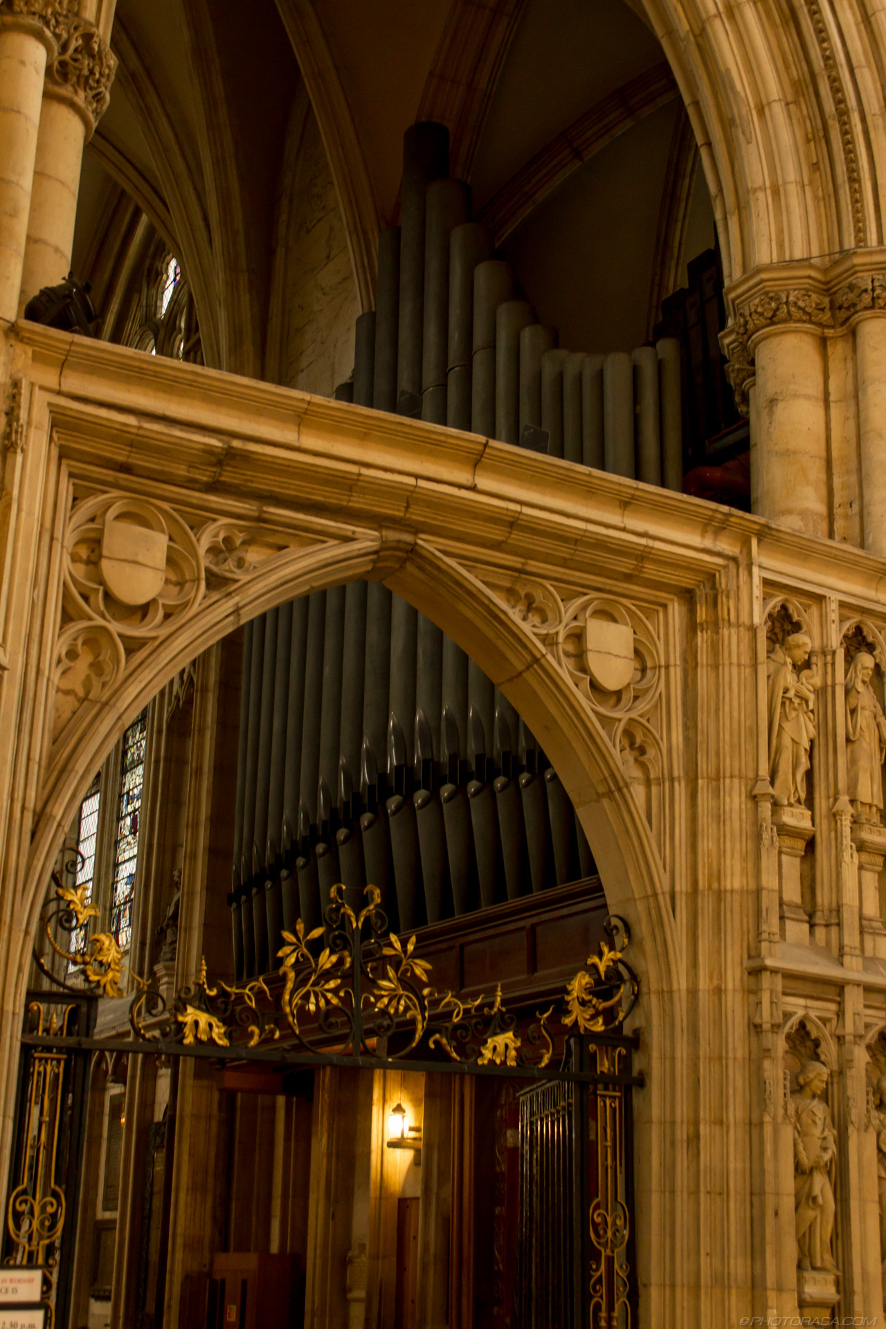 http://photorasa.com/yorkminster-cathedral/stone-archway-in-front-of-organ-pipes/