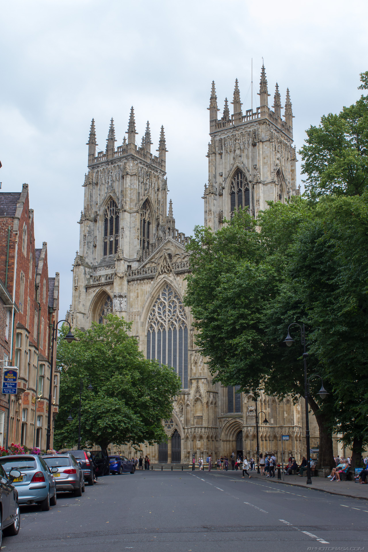 http://photorasa.com/yorkminster-cathedral/york-minster-cathedral-from-precentors-court-road/